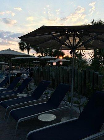 Beach House, A Holiday Inn Resort: Sitting area near pool