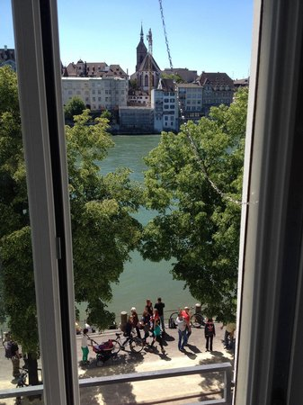Hotel Krafft Basel : River view from the second floor.