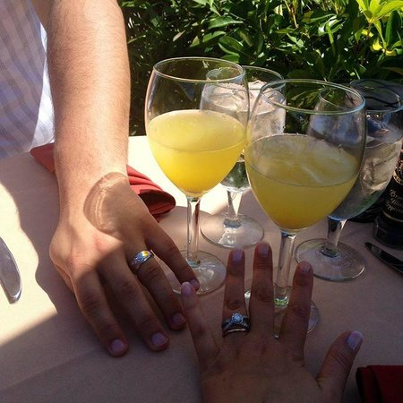 Ophelia's on the Bay: Complimentary mimosas