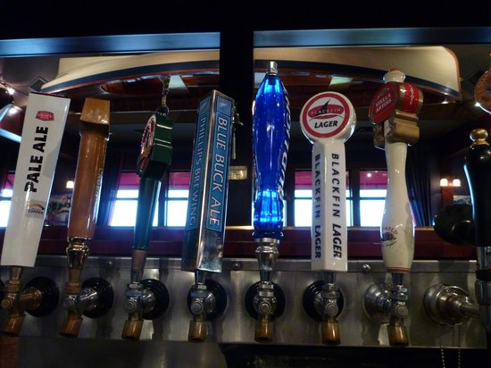 Blackfin Pub : Over 10 draughts to choose from