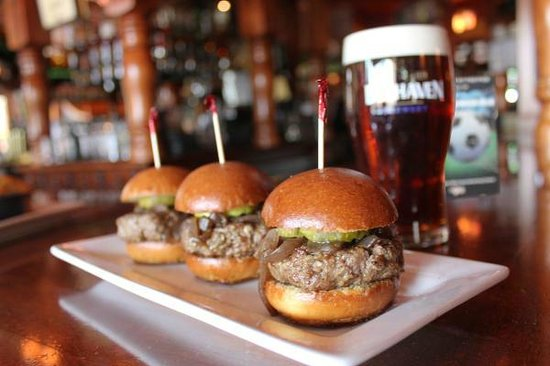 The Pub: Pub Sliders