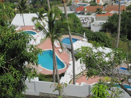 Las Brisas Acapulco: Looking down from our room
