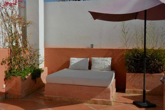 Riad la Parenthese : Reposeras en el solarium del piso superior
