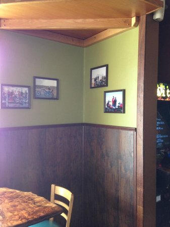 The Frosty Gator: Local patrons highlighted on the walls!