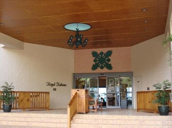 Maui Beach Ocean View Rentals, LLC: Outrigger Royal Kahana entrance