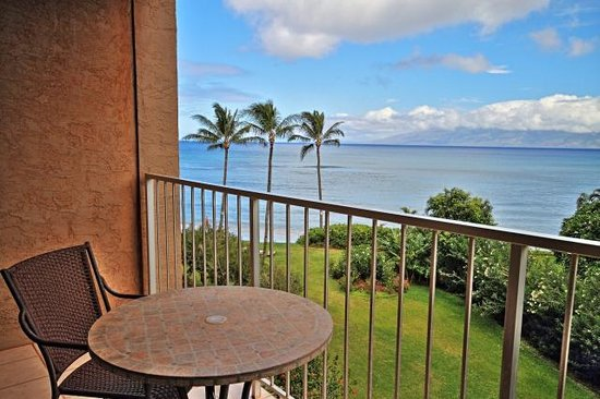 Maui Beach Ocean View Rentals, LLC: Royal Kahana Molokai Suite ocean view from lanai