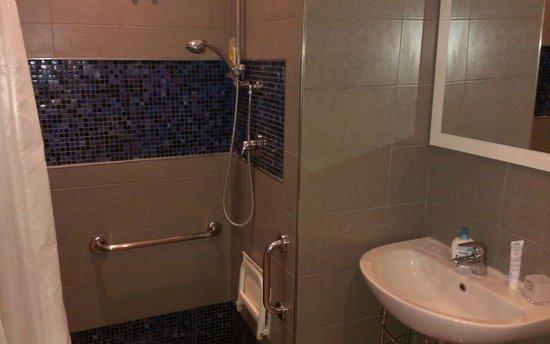 Hotel La Pergola di Venezia: Dusche