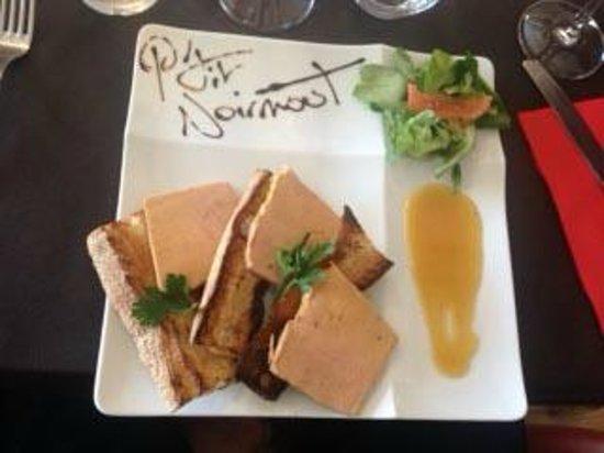Le P'tit Noirmout: Foie gras, petite salade et sauce bigarde