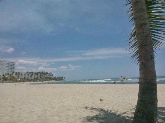 Puerto Plata Village Resort: vista de la playa