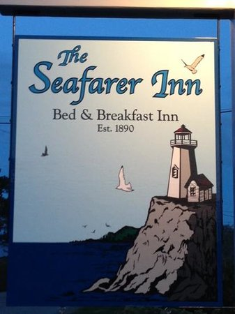 The Seafarer Inn: welcoming sign