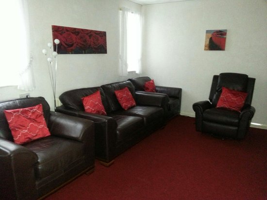 Carron House Holiday Apartments: Lounge apartment 4