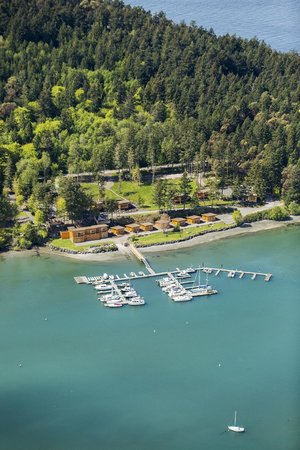 Snug Harbor Resort & Marina: An aerial shot of Snug Harbor Resort