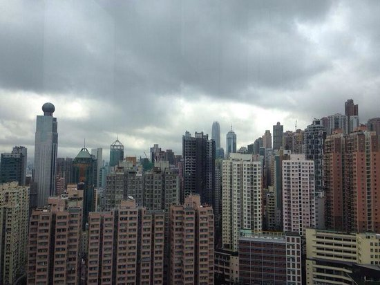 Hotel Jen Hong Kong : City scape from poolside