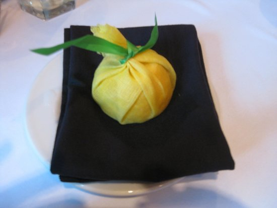 Shula's Steak House: lemon with a warm towel to clean hands