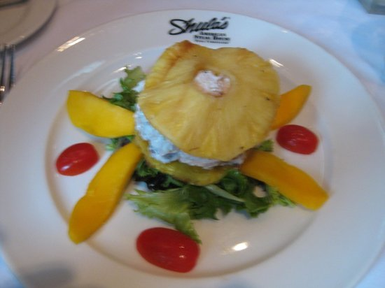 Shula's Steak House: chicken salad salad