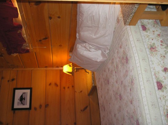 Cabins of Asheville : Bedroom