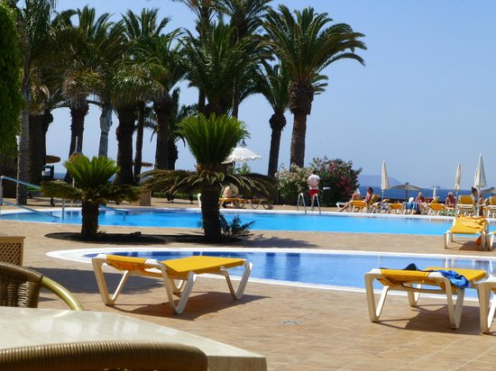 Iberostar Lanzarote Park: Pool view.