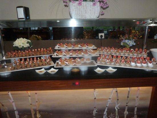 Venosa Beach Resort & Spa : Sweets display