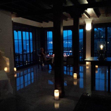 Amanruya: last night special dinner above the sea...exquisite!