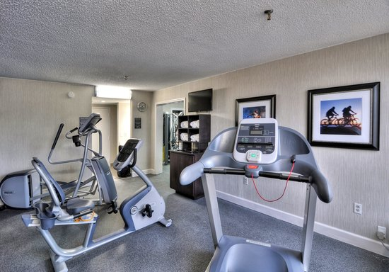 Best Western Plus Hanes Mall Hotel : Fitness Room