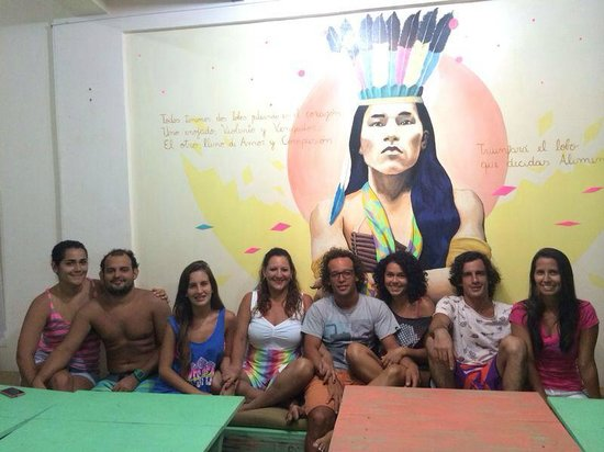 Sitting Bull Hostel : Donde los amigos se reúnen para compartir