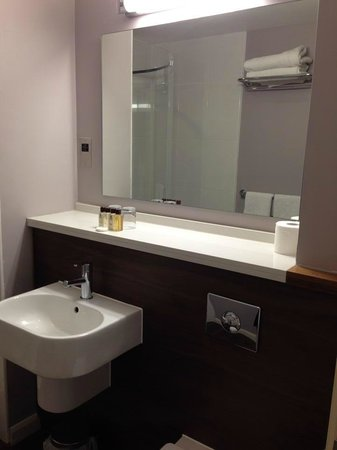 Bannatyne Spa Hotel: Bathroom
