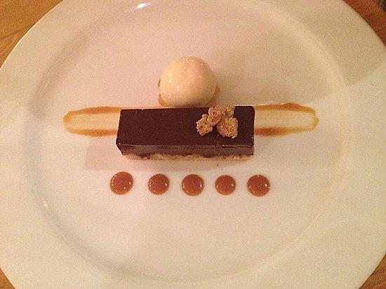 Sienna: Bitter chocolate delice, crème fraîche ice cream, salted toffee sauce
