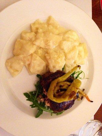 Restaurace Stoleti : Steak stuffed with feta cheese and celery