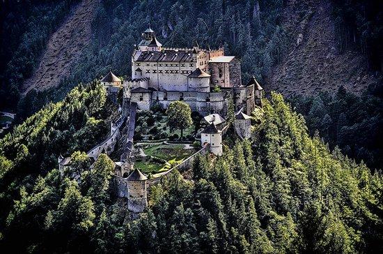 Erlebnisburg Hohenwerfen: Hohenwerfen Castle
