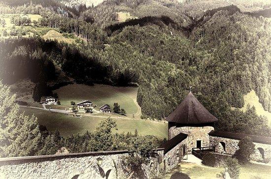 Erlebnisburg Hohenwerfen: Hohenwerfen Castle grounds
