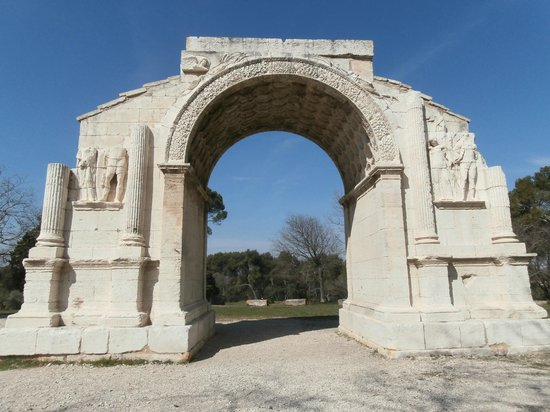 Provence Reservation Day Tours : arco  Les Antiques