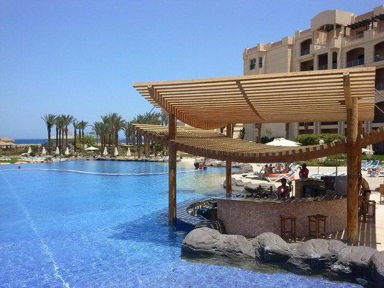 Tropitel Sahl Hasheesh: Poolbar