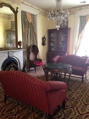Cedar Grove Mansion Inn & Restaurant: Klein Suite