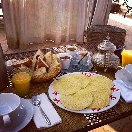 Riad Dar Binebine : Breakfast in the terrace