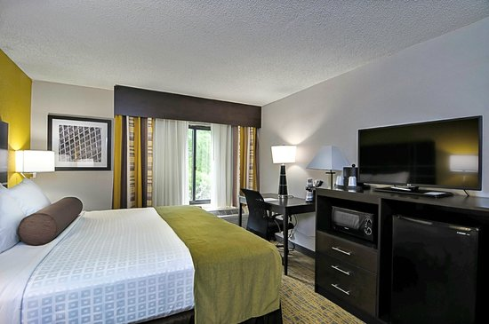 Best Western Plus Hanes Mall Hotel : King Room