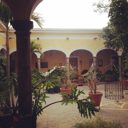 La Casa De Los Patios Hotel and Spa: vista del patio central desde la habitacion