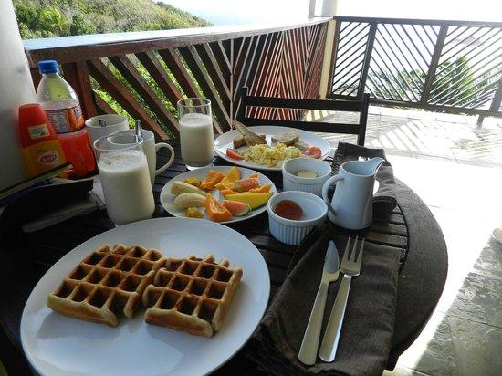 Calibishie Cove: Frühstück!