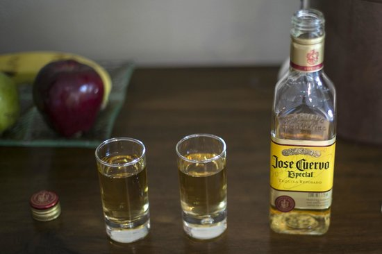 Casa del Mar Golf Resort & Spa: Welcome tequila in our room