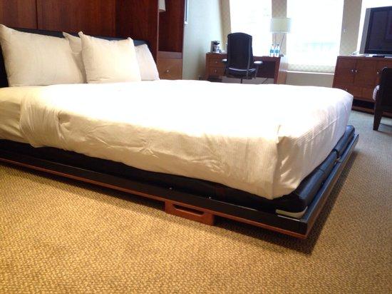 Hilton Atlanta: Murphy bed , very nice!