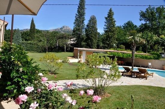 Errances Provençales : errances jardin piscine mont olympe