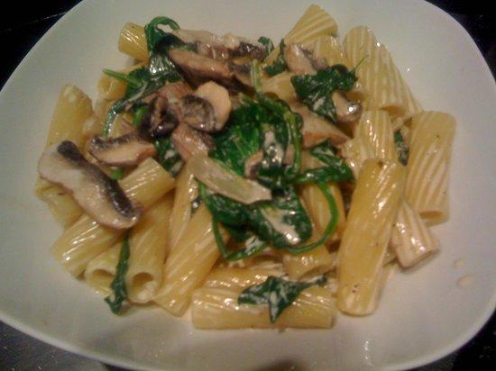 Leonora's Kitchen: Rigatoni pasta at Leonora's