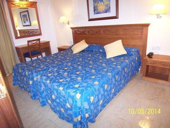 Inturotel Sa Marina: bedroom