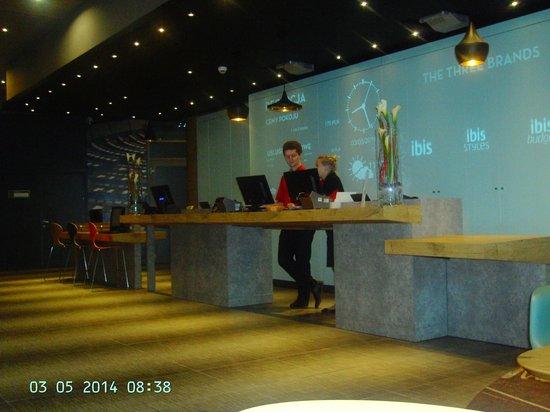 Ibis Warszawa Centrum : Reception