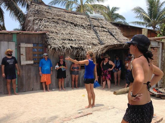 Ruthless Roatan Charters: Michelle providing us with a tour of Cayos.
