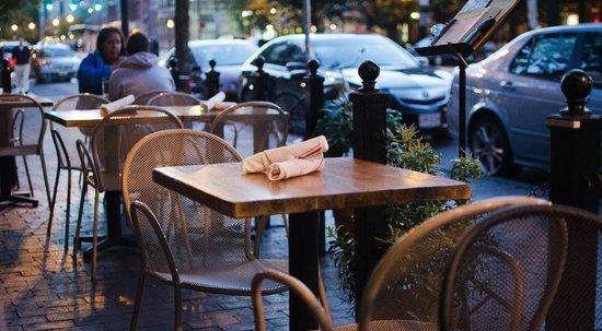 Toro : Outdoor seating