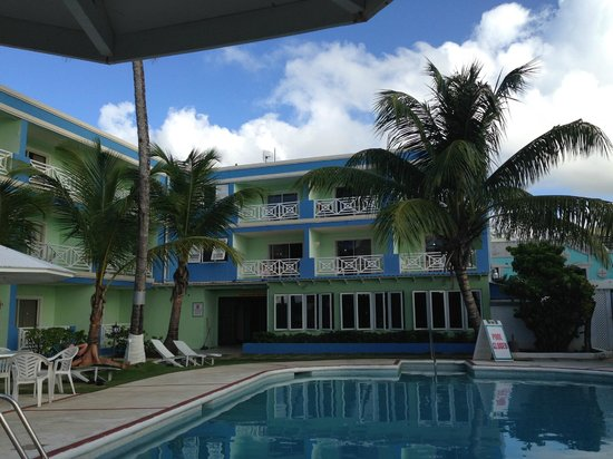 Dover Beach Hotel: camere vista piscina