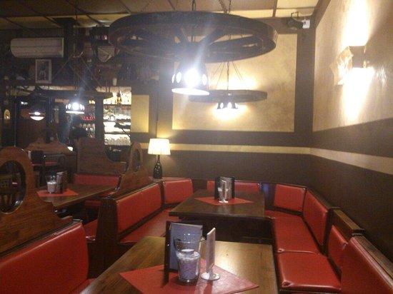 Pizzeria La Brace: Interno