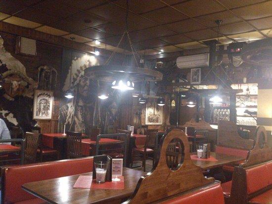 Pizzeria La Brace: Interno western