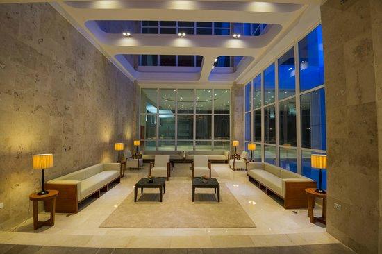 Lobby area (98874945)