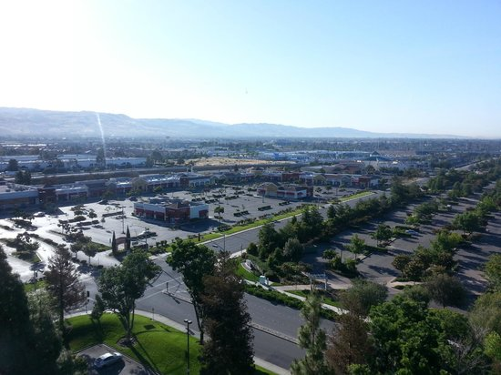 Crowne Plaza San Jose - Silicon Valley: View while having breakfast
